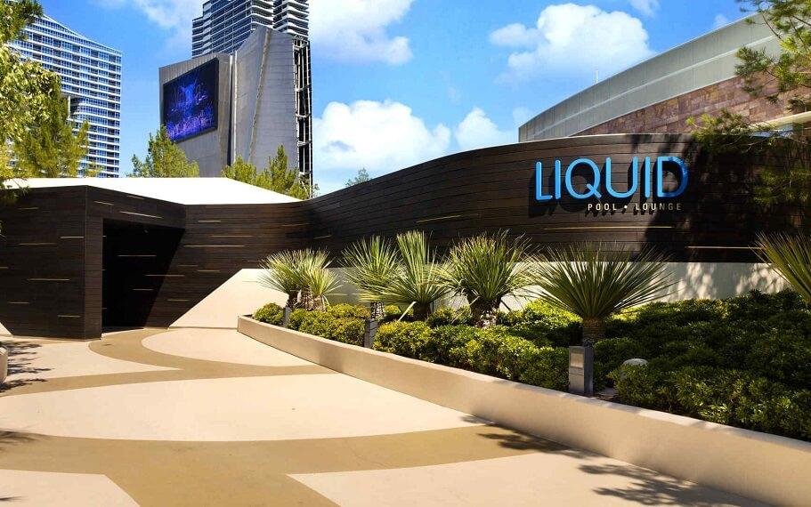Liquid Pool Lounge
