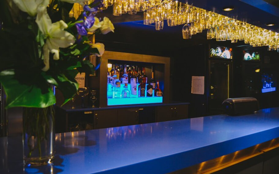 Mount Vernon Yacht | Main Bar