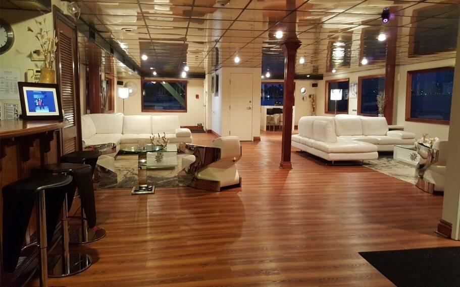 South Beach Lady Yacht